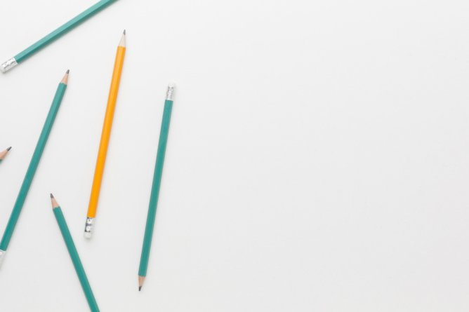 wooden pencils suitable for college students