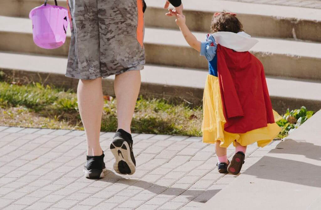 toddler wearing snow white costume idea on Halloween
