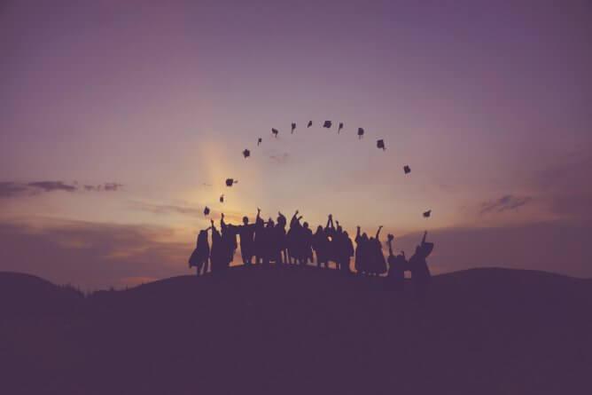 10 Trending College Majors that Earn Most Money in 2021 1
