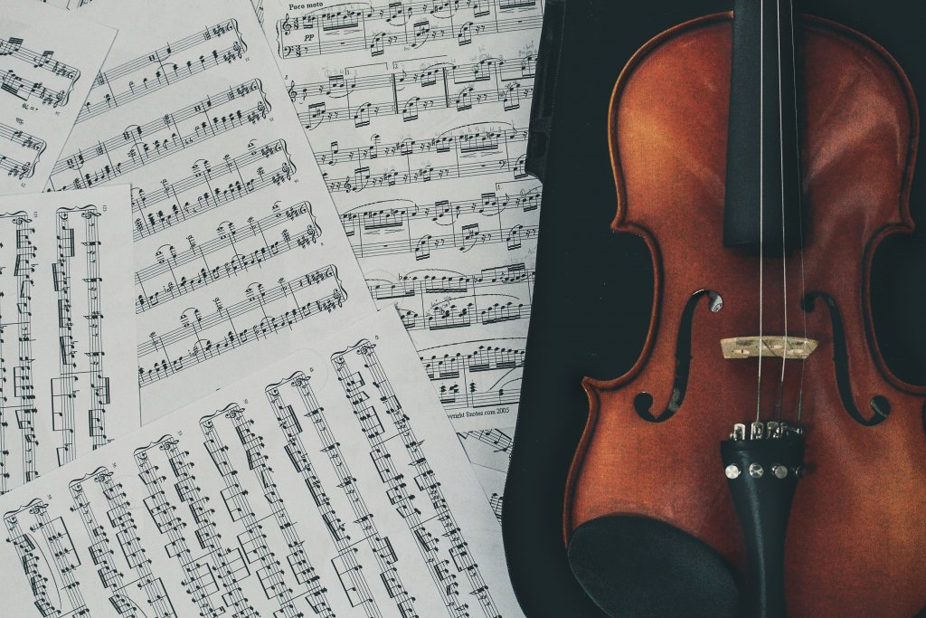 the Mozart effect claims that classical music helps studying better