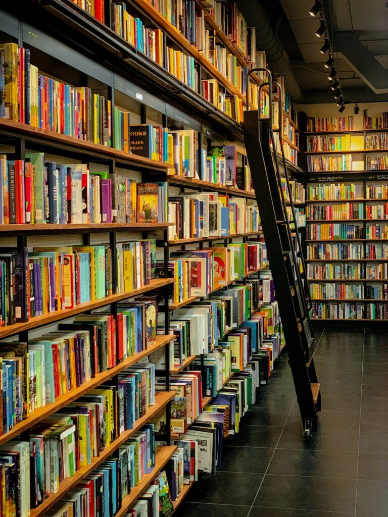 a bookstore in Los Angeles where you can sell used textbooks