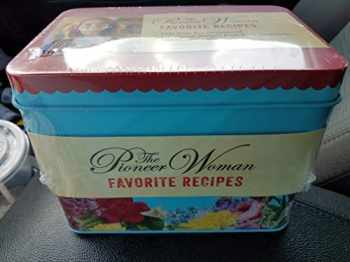 9780062875044-0062875043-William Morrow Pioneer Woman Ree Drummond Favorite Recipes Tin with 100 Recipies