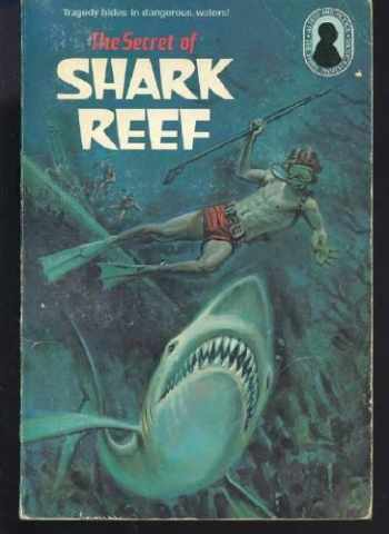 9780394842493-0394842499-The Secret of Shark Reef (Alfred Hitchcock and the Three Investigators #30)